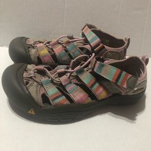 Keens Women's Size 5 Multicolor Striped Sandals